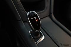2017 Cadillac XT5 Interior 021 Shifter