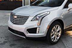 2017 Cadillac XT5 Platinum Exterior 014 front end