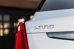 2017 Cadillac XT5 Platinum Exterior 021 XT5 badge