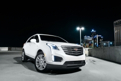2017 Cadillac XT5 Platinum Rooftop in Detroit 01