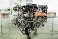Cadillac 4.2L Twin Turbo V8 DOHC LTA Engine - 2018 New York Auto Show Live 001