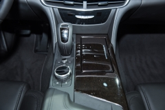 2019 Cadillac CT6 - interior - 2018 New York Auto Show live 009 -  - center console with new EPS shifter and CUE rotary controls