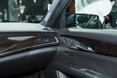 2019 Cadillac CT6 - interior - 2018 New York Auto Show live 014 - dashboard with front door