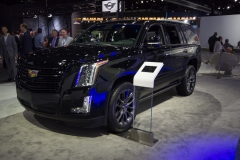 2019 Cadillac Escalade Sport - Exterior - Los Angeles Auto Show - November 2018 002 - Front Three Quarters