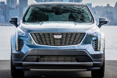 2019 Cadillac XT4 Premium Luxury - Exterior - Seattle Media Drive - September 2018 029 - front end with Cadillac logo