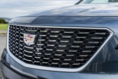 2019 Cadillac XT4 Premium Luxury - Exterior - Seattle Media Drive - September 2018 042 - grille with Cadillac logo