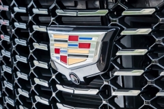 2019 Cadillac XT4 Premium Luxury - Exterior - Seattle Media Drive - September 2018 045 - grille with Cadillac logo