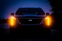 2019-Cadillac-XT4-Sport-Exterior-Dusk-008-front-end-with-accessory-lights-and-emergency-lights-CS-Garage