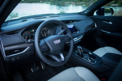 2019-Cadillac-XT4-Sport-Interior-First-Row-003-cockpit-CS-Garage