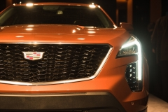 2019 Cadillac XT4 exterior live reveal 008 grille and Cadillac logo
