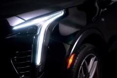 2019-Cadillac-XT4-headlight-001