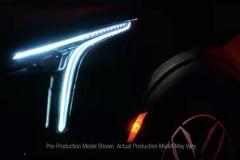 2019-Cadillac-XT4-headlight-002