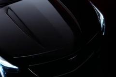 2019-Cadillac-XT4-hood-and-headlights