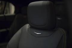 2019 Cadillac XT4 interior 007