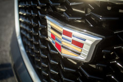 Cadillac-Logo-on-2019-Cadillac-XT4-Sport-005-front-grille-CS-Garage