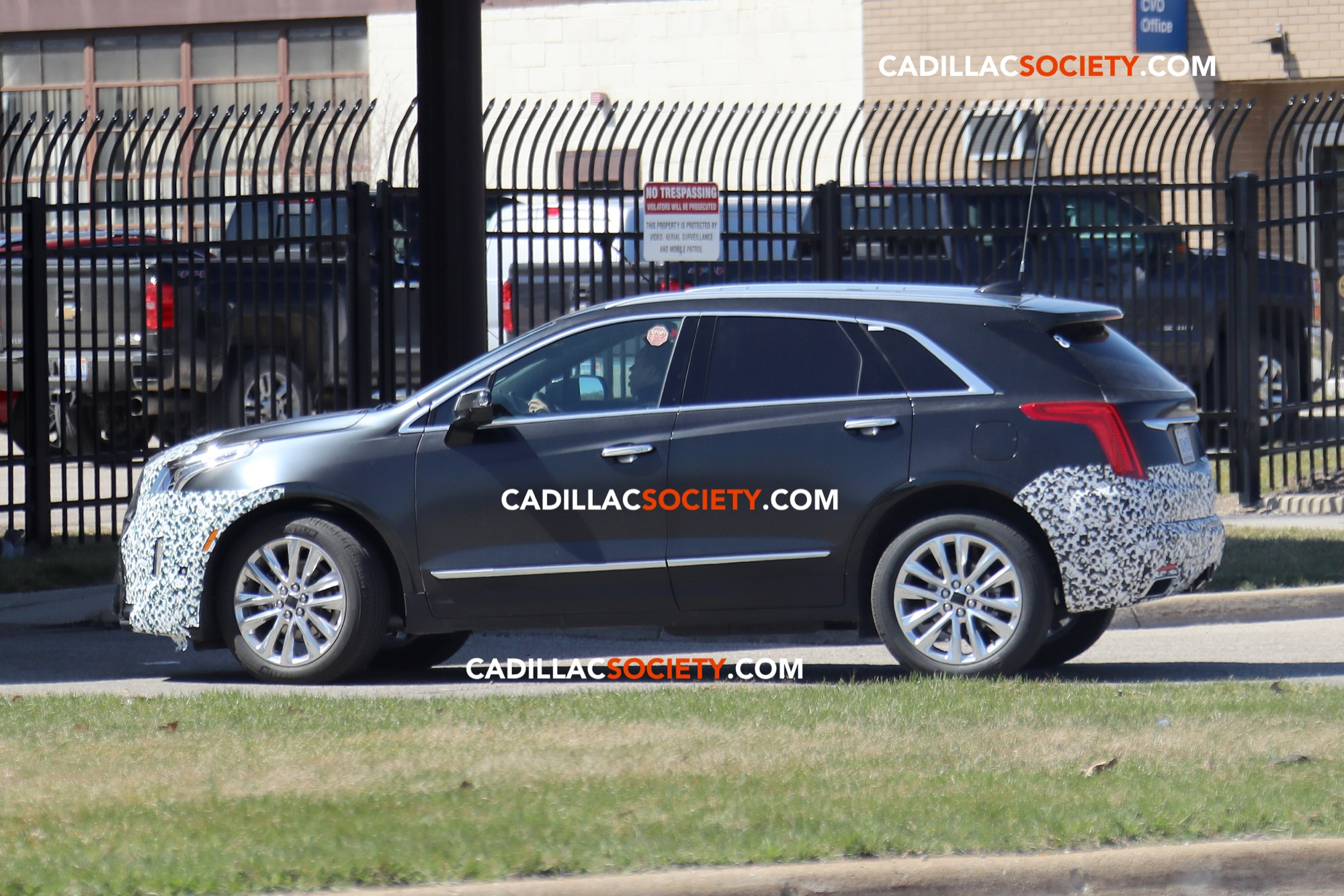 Spy Pictures: 2020 Cadillac XT5 Refresh Caught Testing