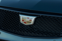 2022-Cadillac-CT4-V-First-Drive-Exterior-025-grille-Cadillac-logo