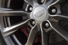 2020-Cadillac-CT4-Sport-Exterior-009-Cadillac-logo-on-wheel-center-cap