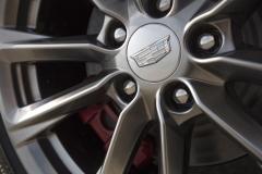 2020-Cadillac-CT4-Sport-Exterior-009-Cadillac-logo-on-wheel-center-cap