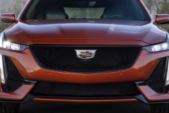 2020 Cadillac CT5-V Exterior 011 front end and grille
