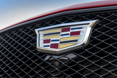 2020-Cadillac-CT5-V-First-Drive-Exterior-014-Cadillac-logo-on-grille