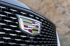 2020-Cadillac-CT5-550T-Premium-Luxury-Media-Drive-Exterior-017-Cadillac-logo-on-grille