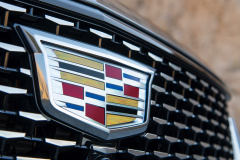 2020-Cadillac-CT5-550T-Premium-Luxury-Media-Drive-Exterior-018-Cadillac-logo-on-grille