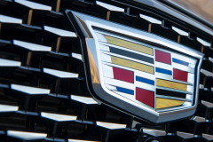2020-Cadillac-CT5-550T-Premium-Luxury-Media-Drive-Exterior-020-Cadillac-logo-on-grille