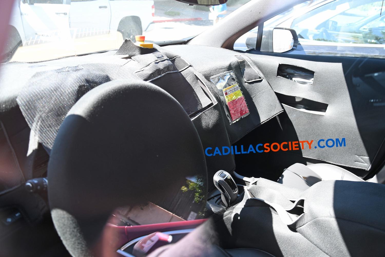 2020 Cadillac XT5 Interior Spy Photo Suggests Notable ...