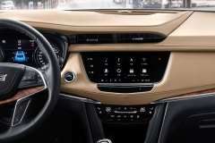 2020 Cadillac XT5 China interior 002 dashboard