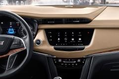 2020 Cadillac XT5 China interior 002 dashboard