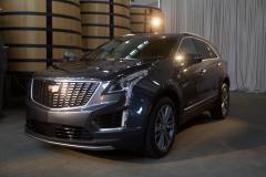2020-Cadillac-XT5-Premium-Luxury-350T-Exterior-003-front-three-quarters