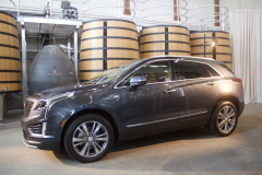 2020-Cadillac-XT5-Premium-Luxury-350T-Exterior-004-front-three-quarters