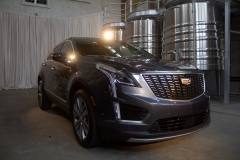 2020-Cadillac-XT5-Premium-Luxury-350T-Exterior-008-front-three-quarters