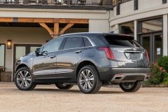 2020 Cadillac XT5 Premium Luxury Exterior Press 0004