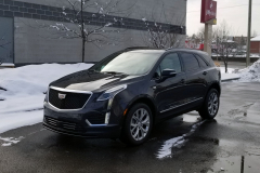 2020-Cadillac-XT5-Sport-CS-Garage-Exterior-002-front-three-quarters