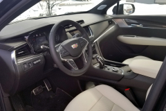 2020-Cadillac-XT5-Sport-CS-Garage-Interior-001-cockpit