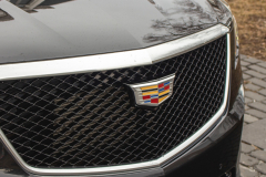 2020-Cadillac-XT5-Sport-Exterior-017-grille-with-Cadillac-logo