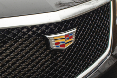 2020-Cadillac-XT5-Sport-Exterior-018-grille-with-Cadillac-logo