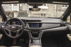 2020-Cadillac-XT5-Sport-Interior-003-cockpit