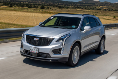 2020-Cadillac-XT5-Sport-Media-Drive-Mexico-Exterior-002-front-three-quarters-on-highway