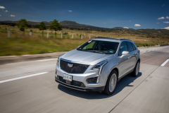 2020-Cadillac-XT5-Sport-Media-Drive-Mexico-Exterior-003-front-three-quarters-on-highway