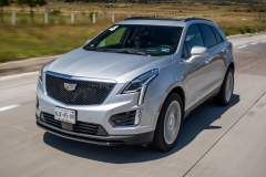 2020-Cadillac-XT5-Sport-Media-Drive-Mexico-Exterior-004-front-three-quarters-on-highway