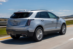 2020-Cadillac-XT5-Sport-Media-Drive-Mexico-Exterior-012-rear-three-quarters-on-highway