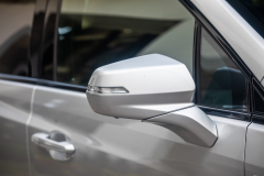 2020-Cadillac-XT5-Sport-Media-Drive-Mexico-Exterior-021-side-mirror