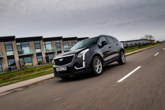 2020-Cadillac-XT5-Sport-in-Denmark-with-Russian-License-Plates-Exterior-004-black-front-three-quarters