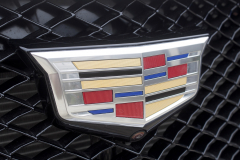 Cadillac-Logo-on-grille-of-2020-Cadillac-XT5-Sport-400-XT6-Drive-Event-002