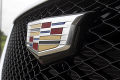 Cadillac-Logo-on-grille-of-2020-Cadillac-XT5-Sport-400-XT6-Drive-Event-006