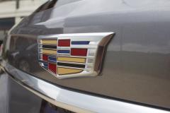 Cadillac-Logo-on-liftgate-of-2020-Cadillac-XT5-Sport-400-XT6-Drive-Event-001