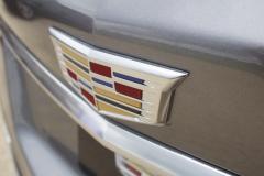 Cadillac-Logo-on-liftgate-of-2020-Cadillac-XT5-Sport-400-XT6-Drive-Event-004